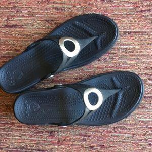 Black Crocs Thongs
